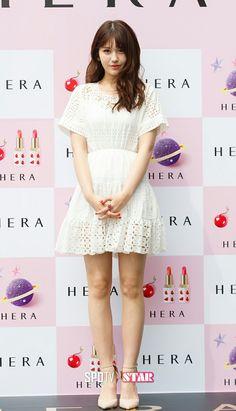 Somi__Jeon_Somi__Ennik_Somi_Diuma Cute Korean Girl, South Korean Girls, Korean Girl Groups, Teen Celebrities, Jeon Somi, White Outfits, Asian Beauty, Dress Up, White Dress