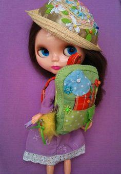 Rainbow Daisies backpack for Blythe