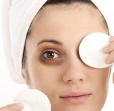 suffering from dark circles under eyes?? 👀 Here 👉🏼 you can find all natural treatment you need 👍