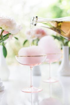 Cotton candy champagne cocktail for bridal shower, bachelorette party, or custom wedding cocktail - champagne wedding cocktails {Lauren Conrad} (bachelorette party drinks alcohol) Party Drinks, Cocktail Drinks, Cocktail Recipes, Alcoholic Drinks, Beverages, Pink Cocktails, Recipe For Cocktails, Wedding Cocktail Hour, Drink Recipes