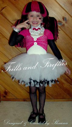Girls Dracula Tutu Costume Set in Black Hot Pink and White...Great  sc 1 st  Pinterest & Monster High Draculaura Inspired Costume Tutorial | Costumes ...