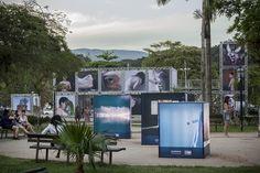 """O """"11º Paraty em Foco - Festival Internacional de Fotografia"""" tem exposições, projeções, bate-papos e oficinas na Praça da Matriz e outros espaços desse município em setembro."""