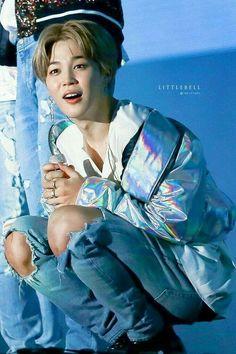Jimin - BTS 방탄소년단 Jimin 지민 Park Jimin 박지민 // look at this lil mochi Park Ji Min, Bts Jimin Cute, Bts Bangtan Boy, Jimin Hot, Jikook, Mochi, Namjoon, Taehyung, Billboard Music Awards