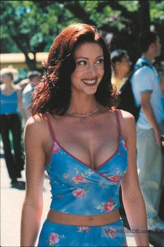Shannon Elizabeth, Early 2000s Fashion, 90s Fashion, Fashion Outfits, Couture Fashion, Runway Fashion, Fashion Trends, 00s Mode, 90s Grunge Hair