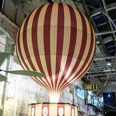 Weekend fever  Viikonlopun huumaa! Tykkäätkö seikkailuista?  Astuin kuumailmapalloon. Virtuaalilasit päähän ja lento voi alkaa. Ja se oli menoa se! Autenttinen elämys! Nyt minäkin olen matkannut kuumailmapallolla!  Uusi Proto Keksintötehdas Tallinnassa esittelee ihmiskunnan keksintöjä mahtavalla tavalla. VR-laseilla pääsee vierailija osaksi jännittäviä seikkailuja.  Sopii koko perheelle!  Pressimatka: EckeröLine Tallinksilja Viking Line Visit Tallin Visit Estonia.  #proto #keksintötehdas…
