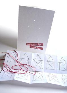 Hallo Ihr Lieben,  Jutta ist mir schon ein paar Tage voraus, aber auch ich habe mich in den letzten 2 Wochen mit dem Thema Weihnachtskarten beschäftigt. Wie sagte Jutta so schön, das Thema ist unendlich vielfältig... Normalerweise verfalle ich immer eine Woche vor Weihnachten hektisch in die Karten-Produktion. Nachdem es letztes Jahr jedoch zum Disaster kam und wir dann am 24. schnell E-Mail ...
