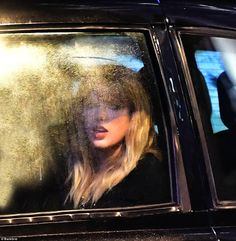 Taylor Swift in London recording a new music video for her Reputation album. Swift 3, Taylor Swift Fan, Taylor Swift Pictures, Taylor Alison Swift, Young Taylor Swift, Red Taylor, Taylor Swift Wallpaper, Queens, Names Baby