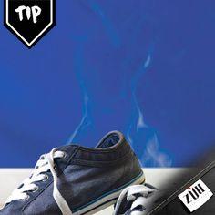 #Tip para el #cuidado del #calzado. Coloca bicarbonato en el interior para quitarles el olor. Deja reposar por 24 horas, luego quítalo. Saca las partículas de bicarbonato con un cepillo de dientes seco.