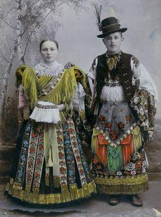 Magic embroidery originally from Hungary - Mathio Roses - Masters Fair