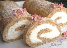 Bezé roláda | NejRecept.cz Rolls, Food And Drink, Cooking Recipes, Sweets, Bread, Baking, Decorations, Dios, Chocolates