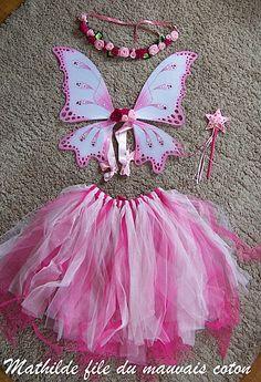 costume fée rose petite fille Ailes, tulle, baguette et couronne de fleurs