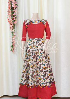 Kalankari Kalamkari Designs, Pattu Saree Blouse Designs, Salwar Designs, Kurti Neck Designs, Kurta Designs Women, Dress Neck Designs, Bridal Blouse Designs, Simple Kurta Designs, Kalamkari Dresses