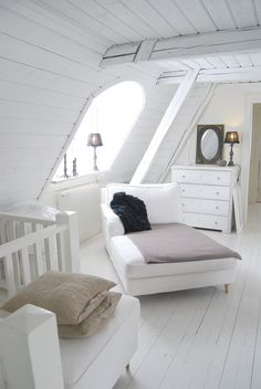 Exquisite Your attic storage mi,Attic room insulation and Attic remodel diy. Garage Attic, Attic Playroom, Attic Loft, Attic Stairs, Attic Rooms, Attic Renovation, Attic Remodel, Attic Wardrobe, Attic Storage