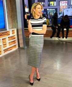 has your morning news 😘 Wearing Zara, Pencil Skirt, Skirts, How To Wear, Amy, Fashion