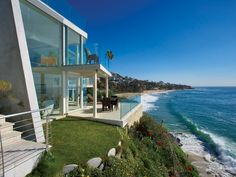 Circle Drive Laguna Beach, Orange County, California oceanfront ocean view home, glass walls