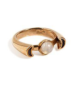 Hello, Gypsy! Pamela Loves Luna Ring ist das perfekte Essential für moderne Boho-Looks. #Stylebop