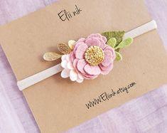 New Flowers Diy Fabric Baby Headbands Ideas Felt Headband, Newborn Headbands, Handmade Rakhi, Rakhi Design, Headband Tutorial, Crochet Bookmarks, New Baby Cards, Felt Flowers, Diy Flowers