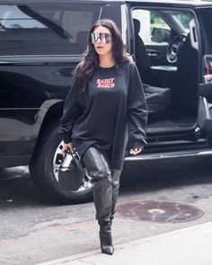 Kim K all day Look Kylie Jenner, Jenner Style, Vanity Fair, Kim Kardashian, Alexander Mcqueen, Kim And Kanye, Glamour, Winter Fashion Outfits, Sporty Style