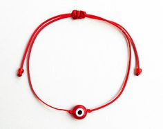 Diy Friendship Bracelets Patterns, Red String Bracelet, Evil Eye Charm, Simple Bracelets, Evil Eye Bracelet, Paracord Bracelets, Macrame Jewelry, How To Make Beads, Earn Money