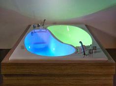 Romantic Yin Yang Couple Bath