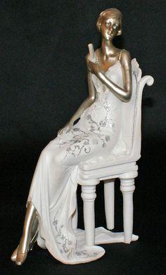 statue femme en tenue de soir e ann es folles statuettes pinterest statue. Black Bedroom Furniture Sets. Home Design Ideas