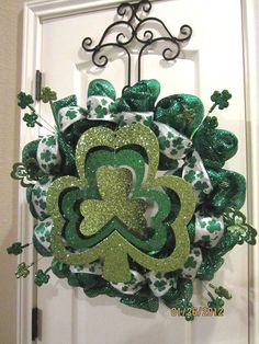 St Patrick's Day Wreath (St Patrick explained....the shamrock had three leaves just like God had three personas - The Father, The Son and the Holy Ghost. This was called the Trinity.)
