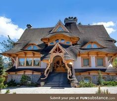 Funny pictures about Look At The Roof And Front Door Of This House. Oh, and cool pics about Look At The Roof And Front Door Of This House. Also, Look At The Roof And Front Door Of This House photos. Home Buying Tips, Unusual Homes, My Dream Home, Rustic Decor, Rustic Cafe, Rustic Colors, Rustic Theme, Rustic Design, Rustic Kitchen