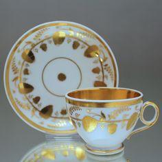 Paris um 1800: Tasse im Empire Stil, Gold, Erdbeeren Prunktasse Biedermeier cup, tea cup, antique china, coffee cup, gold