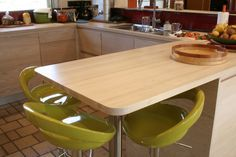 cuisine écologique en bois frêne français région de Nantes Table, Furniture, Home Decor, Nantes, Decoration Home, Room Decor, Tables, Home Furnishings, Home Interior Design