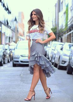 Petite Fashion Tips .Petite Fashion Tips Indie Fashion, Look Fashion, Trendy Fashion, Fashion Design, Fashion Trends, Petite Fashion, Men Fashion, Casual Wear, Casual Outfits