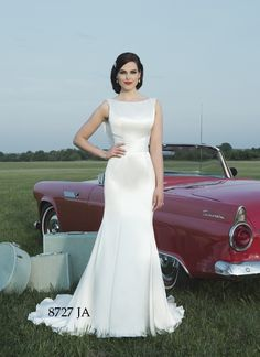Justin Alexander - Sacramento Wedding Gowns and Dresses - Best Wedding and Bridal Boutique- Simple and elegant smooth wedding gown