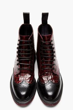 DR. MARTENS Burgundy crocodile BROGUED WINGTIP CALDER BOOTs. I would marry these boots ! Okay, that's a bit over the top, but gee..<3