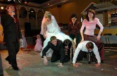 Funny Wedding Pics #funny #wedding http://www.facebook.com/BlueRainbowDesign