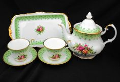Royal Albert, England. Old country roses pattern with Green Border, Very elegant and classy pattern. Very Pretty Tea for 2 set. Consisting of: 1