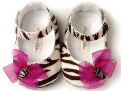 Pink2Blue's Katrina Baby Girl Shoe/Slipper/Bootie. Infant sizes , handmade by pink2blue.