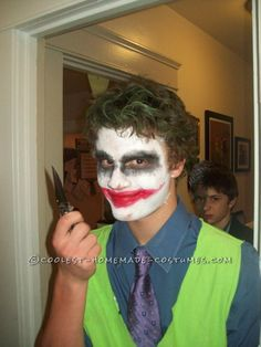 I made this last-minute Dark Knight Joker costume for my brother a couple years back. Slacks and dress shoes, with a niceish long sleeve button up with the Costumes For Work, Homemade Halloween Costumes, Holiday Costumes, Halloween Costume Contest, Costumes For Teens, Family Costumes, Diy Costumes, Halloween 2015, Halloween Makeup