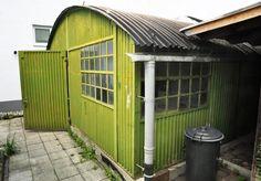 corrugated iron garage-hall | Historische Bauelemente | 3666 Architectural Antiques Dream Bars, Tin House, Architectural Antiques, Cladding, Color Inspiration, Sweet Home, Garage, Iron, Outdoor Structures