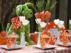easter tablescapes   Also check this 13 DIY Easter and Spring Door Decorations