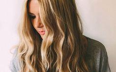 Darf es etwas mehr sein? Ja, bitte! Wer feines Haar hat, träumt von Hollywood-Mähnen à la Blake Lively & Co. Halte dich an die Experten-Tipps von Goldwell Kerasilk Brand Ambassador Mario Krankl, dann werden auch dir Volumen-Looks gelingen.