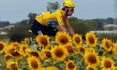 bradley wiggins in yellow jersey, tour de france 2012