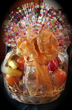 Fruit and Gourmet Treats Basket. Thali Decoration Ideas, Basket Decoration, Wedding Decoration, Gourmet Gift Baskets, Gourmet Gifts, Dry Fruit Tray, Coconut Decoration, Wedding Favors, Wedding Gifts