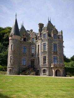 Château du Frout à Carantec en baie de Morlaix (Finistère, Bretagne). Le lieu rêvé pour organiser une réception de mariage prestigieuse ou un événement d'entreprise. http://www.latablebretonne.fr