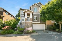 4 bed 3 bath craftsman home just sold in Bothell! Congratulations to our happy sellers!