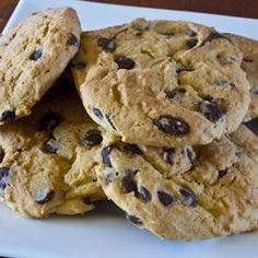 """Mom's Chocolate Chip Cookies I """"These turned out just great for me! My husband said they were the best chocolate chip cookies he's ever eaten. Choclate Chip Cookie Recipe, Chocolate Chip Pudding Cookies, Best Chocolate Chip Cookie, Chocolate Chip Oatmeal, Chocolate Chips, Homemade Chocolate, Cookie Desserts, Cookie Recipes, Dessert Recipes"""