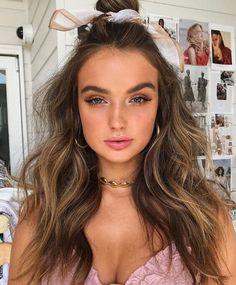 Curly Hair Styles, Long Curly Hair, Natural Hair Styles, All Hairstyles, Vintage Hairstyles, Hairstyle Ideas, Hair Ideas, Bun Hairstyle, Party Hairstyle