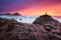 #7. ジャイアンツ・コーズウェー・ビーチ / 北アイルランド(イギリス) 世界で最も変わったビーチ15選。#6なんて、ここ本当に地球!?
