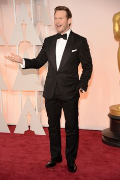 Because Pratt is the best burly dresser in Hollywood—jacked, husky, or otherwise—his wide, shawl lapel is the perfect bold detail for him and it's something almost nobody else could pull off. - Esquire.com I thought Chris Pratt and his wife looked so adorable. For a big guy he's working that tux, very handsome