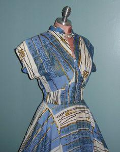 Vintage Hawaiian cotton dress with gold metallic screen print by Alfred Shaheen (bolero shown). and I just DIED! Hawaiian Wear, Vintage Hawaiian, Hawaiian Dresses, 1950s Outfits, Retro Outfits, Vintage Outfits, 1950s Fashion, Vintage Fashion, Vintage Style
