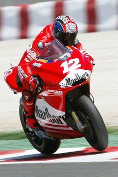 Bayliss wrestles his V4 Ducati around Catalunya.