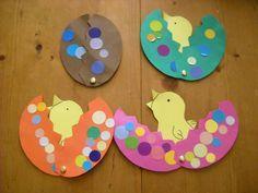[Activité] Poussin de Pâques ! Easter Art, Easter Crafts For Kids, Toddler Crafts, Diy For Kids, Preschool Crafts, Fun Crafts, Arts And Crafts, Spring Crafts, Holiday Crafts